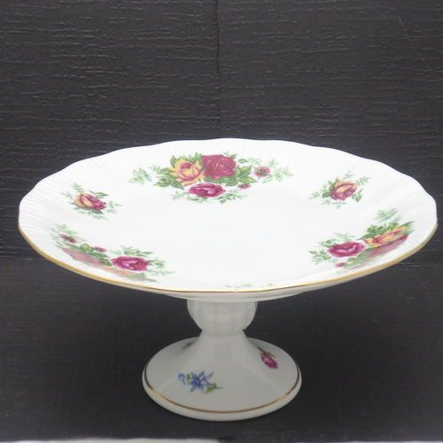 394 best images about beautiful cake stands on pinterest for Beautiful cake stands