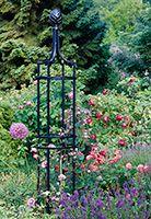 Rosenobelisk auf Insel Mainau