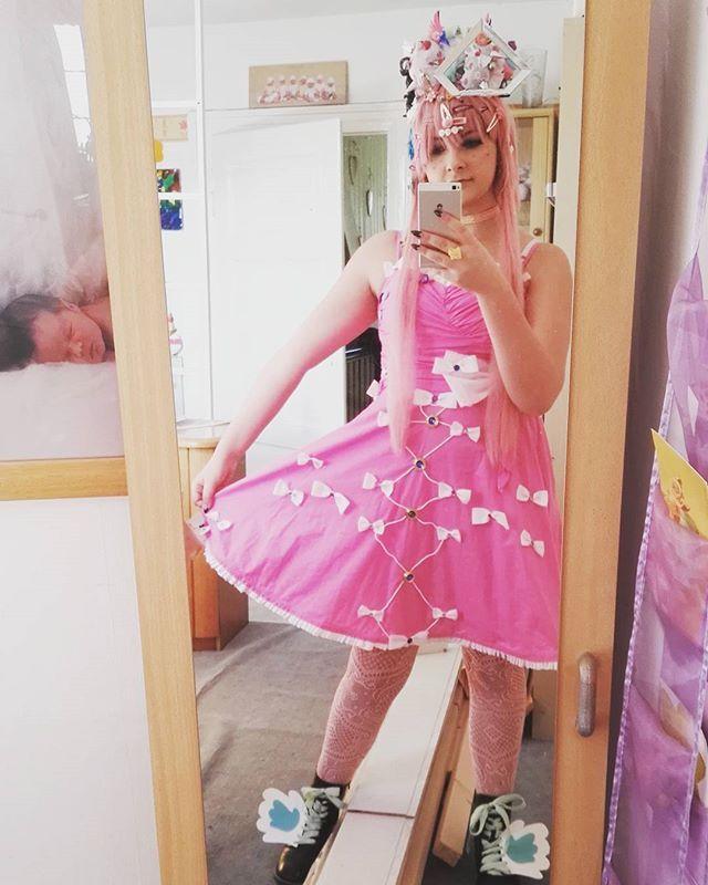 #decorakei #fairykei #kawaiidress #kawaii #pinkhair #pink #makeupjunkie #makeup #sweet #cosplay #cosplayer #japan #anime #manga #shoes #wings #bow #hairstyle #accessoires #kawaiiaccessories
