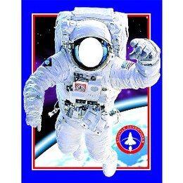 Foto Decor Astronaut -  Een feestdecoratie om alle kinderen een prachtige herinnering mee te geven. Laat de kinderen achter deze decoratie staan met het gezicht achter het gat en maak een foto. Het resultaat? Een prachtige foto waar nog lang om gelachen zal worden! Afmeting: 127 x 101cm.