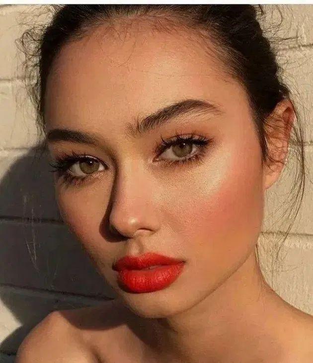 139+ top rose gold makeup ideas to look like a goddess 16 ~ Modern House Design
