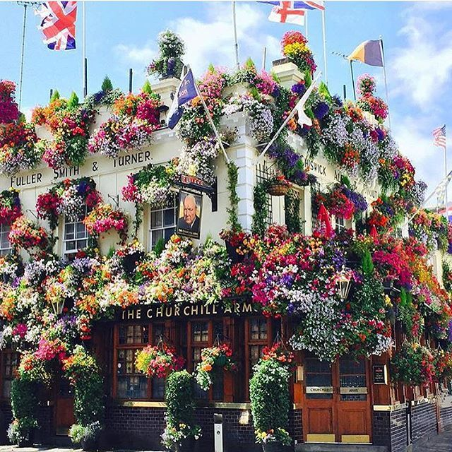 The Churchill Arms Pub, Notting Hill #London #Pub #NottingHill http://www.londonvacationsguide.com/  http://www.london4vacations.com/