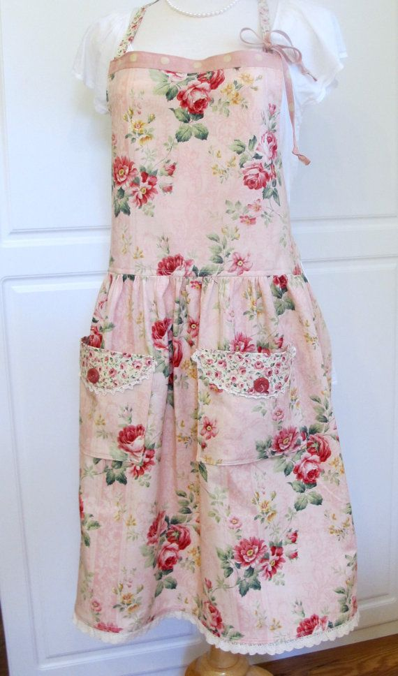 Gorgeous Cabbage Roses Full Apron by anniegaprons on Etsy