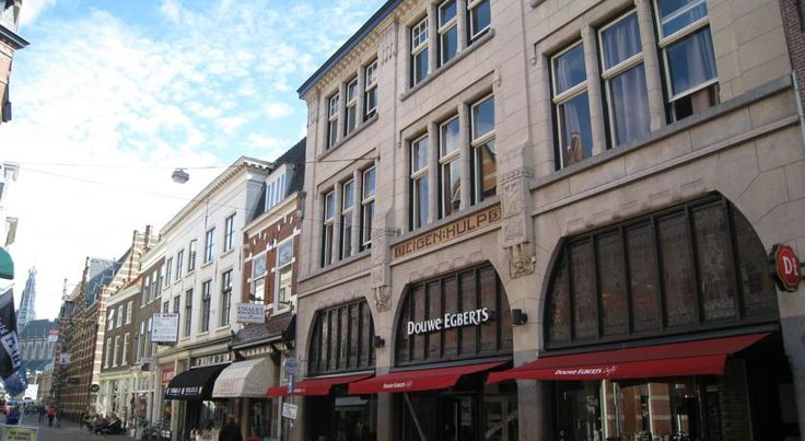 Bed & Breakfast Hotel Malts Haarlem Located in the heart of Haarlem, on one the most popular shopping streets, the Bed & Breakfast Hotel Malts a typical Dutch breakfast.