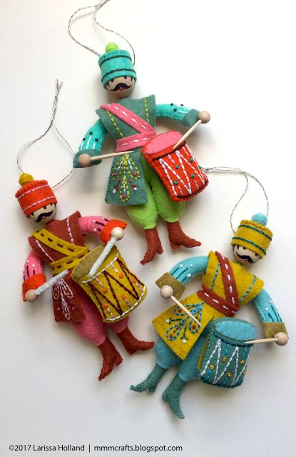 mmmcrafts: Felt and floss color guide for these Drummer Drumming ornaments
