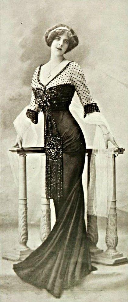Robe de diner, 1909