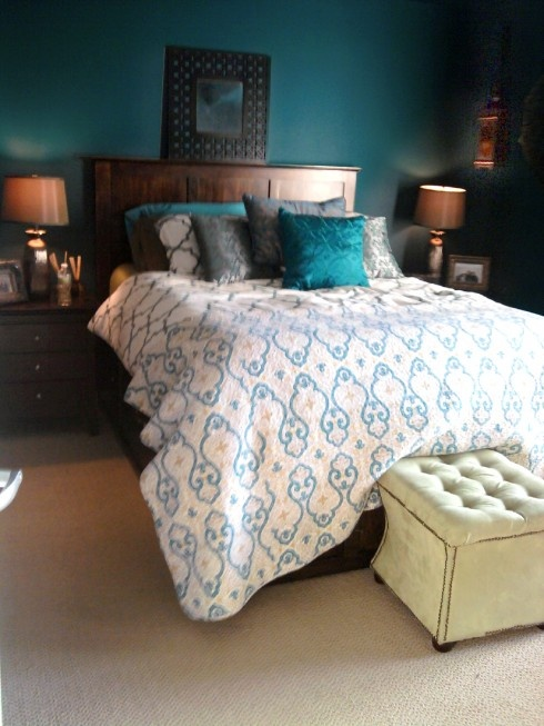 1000+ Ideas About Peacock Blue Bedroom On Pinterest