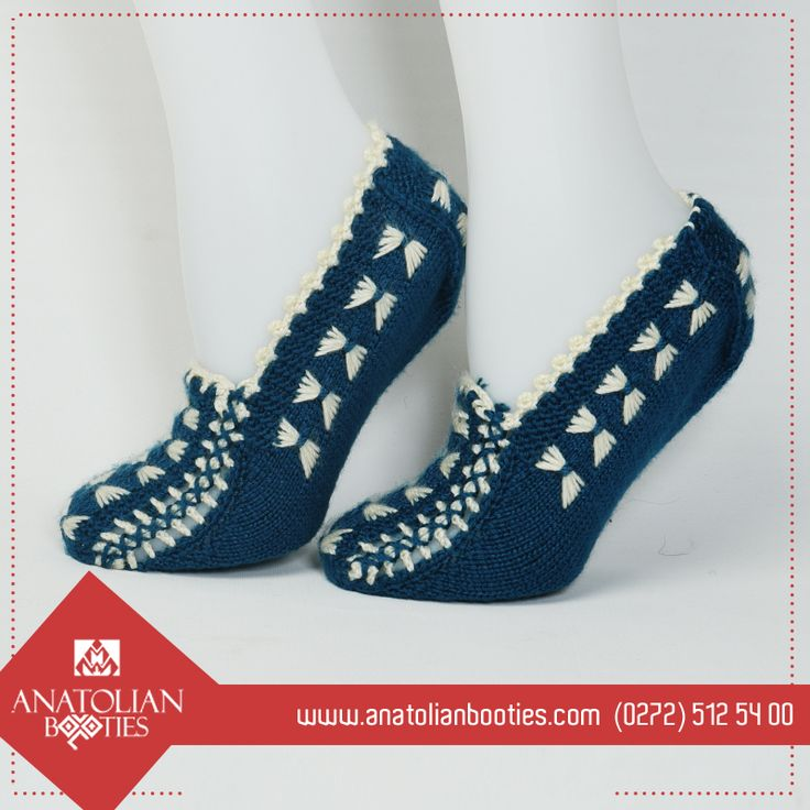 This booties have 36-38 size (for USA : 6 - 7.5) . It has Bowtie Motif with Blue and White Colors. It is knitted with 2 knitting needles 👟  ➡ http://bit.ly/2g5CGRJ  #anatolianbooties #anatolian #bootie #booties #Knitted #pinetree  #handmade  #haandmadewithlove