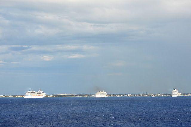FOTOGRAFIAS DEL MUNDO: Entrando el Crucero Opera en la Isla COZUMEL de Mé...