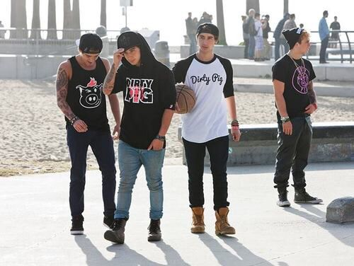 4/5 of the Janoskians! I srsly loove their Dirty Pig clothing and the fact that its all in the name of anti bullying is just awesome