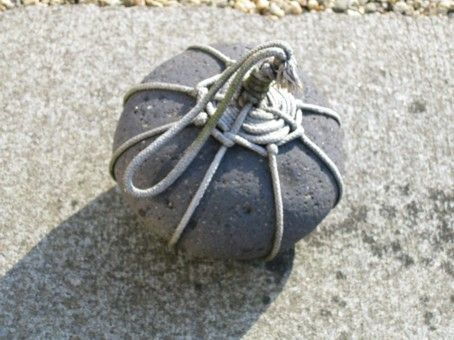 When you find something like this on your path do not just step over it, like most Europeans or actually Westerners do. This is a subtle sign not to trespass. The stone is treated with respect, as each natural object houses its own Kami, hence the handsome wrapping.