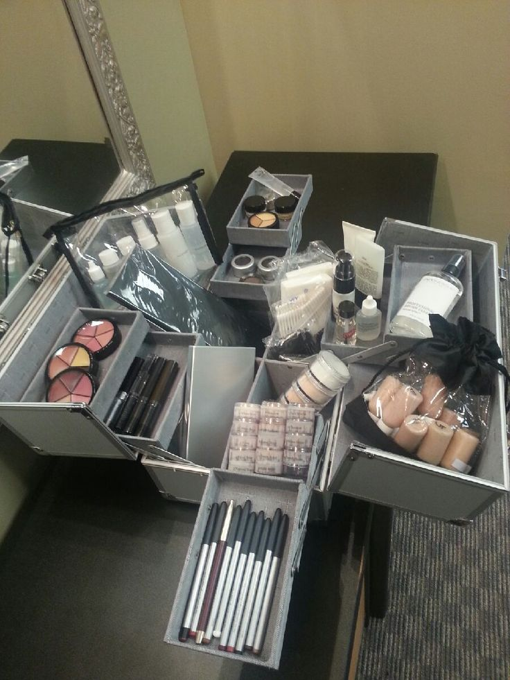 17 Best Images About Mua Kit On Pinterest Makeup Case