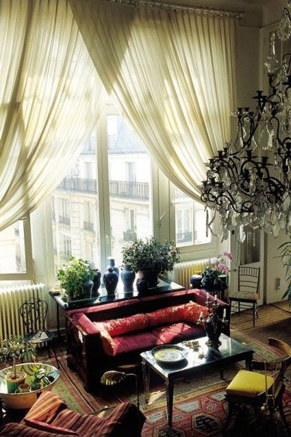 : Bohemian Styles, Paris Apartment, Curtains, Parisians Apartment, Living Rooms, Loulou De, Interiors Design, High Ceilings, Windows Treatments