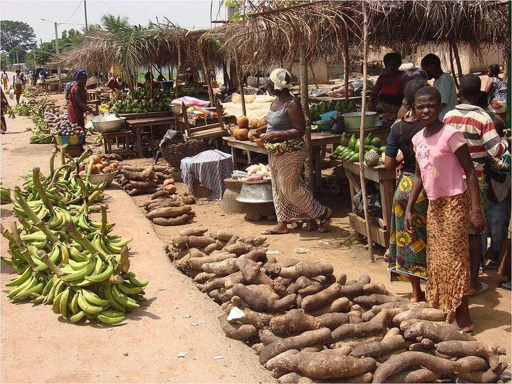 Produits vivriers (marché traditionnel) ◆Côte d'Ivoire — Wikipédia https://fr.wikipedia.org/wiki/C%C3%B4te_d%27Ivoire #Ivory_Coast #Cote_d_Ivoire