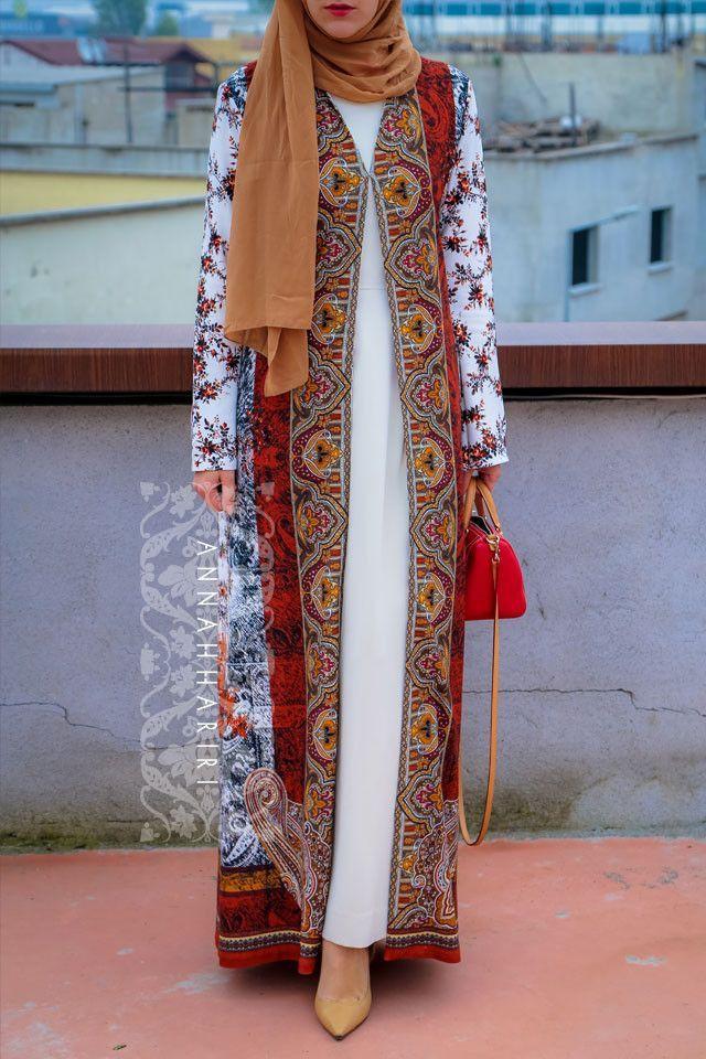 Hijab Fashion 2016/2017: Print Mantel V2 Hijab Fashion 2016/2017: Sélection de looks tendances spécial voilées Look Descreption Print Mantel V2