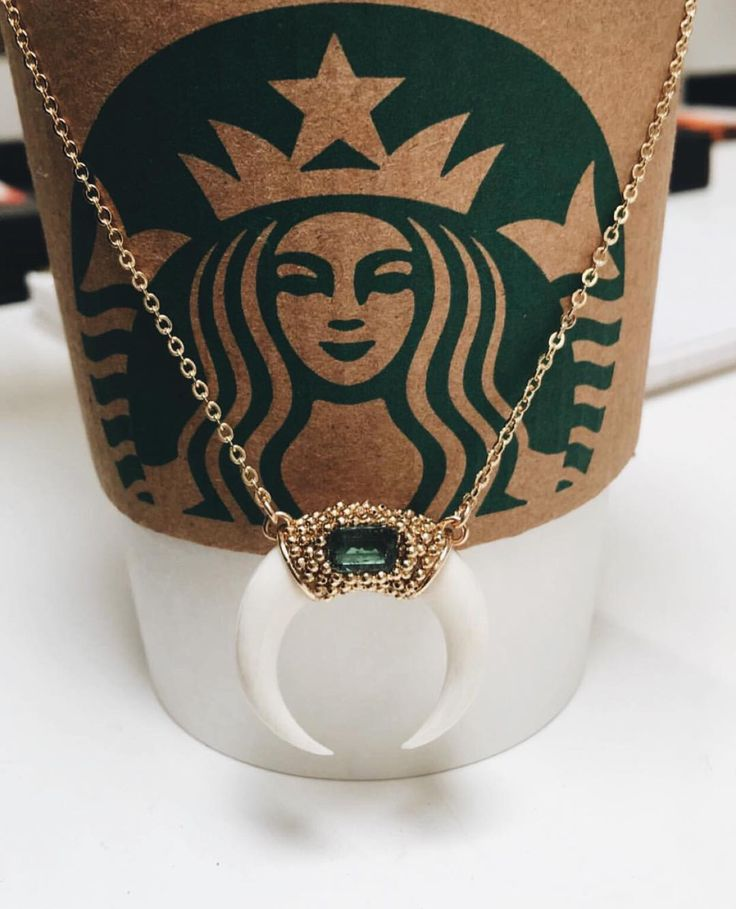 TGIF☕️ Via @lili_claspe  #worldsuniquedesigns #loveit #starbucks #starbuckscoffee #friday #coffee #coffeelover #coffeelove #necklace #necklacedesign #green #stylish #woman #womanstyle #likepost #style #coffeediary #tgif #tgifridays #likelikelike