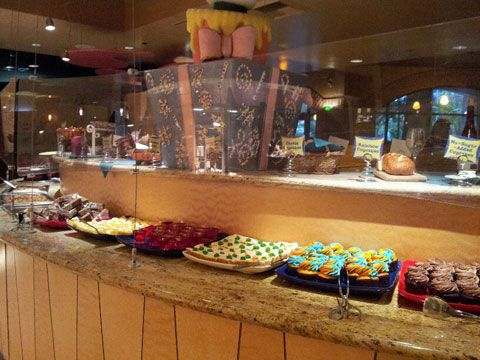 Get Away Today Vacations - Official Site - Goofy's Kitchen In Disneyland Hotel