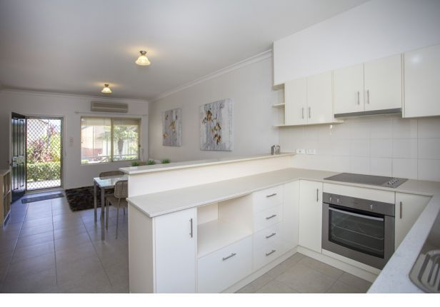 Moana Mews is a boutique retirement village inthe southern beach-side suburb of Seaford Rise.  It'sonly a short walk to shops and public transport.…