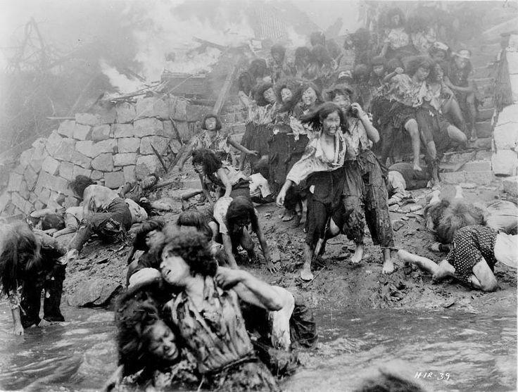 히로시마 원폭 터진 후에 살아남은 여학생들 모습