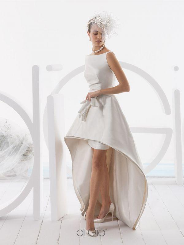 CR 07 | Abito scultura in mikado di seta corto davanti e lungo dietro. Stile bon ton. | #lesposedigio #weddingdress #madeinitaly #bridaldress | www.lesposedigio.com