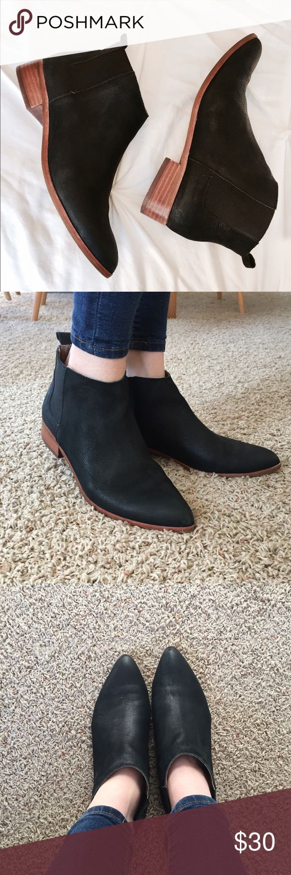 Gap Matte Black Bootie Super adorable low heel matte black Gap booties. These are slightly worn, but still in amazing condition. They're genuine leather, and fit closer to a 6.5. Look super cute when paired with some skinnies! GAP Shoes Ankle Boots & Booties