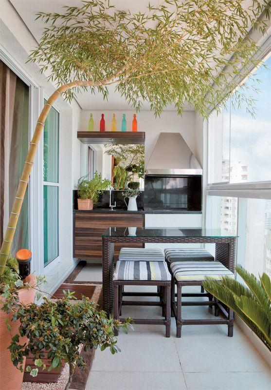 A varanda do apê tem espaço gourmet e deliciosa área verde - Casa.com.br