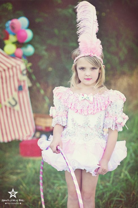 "beautiful Circus themed mini session. Image from ""Come Join Our Circus"" mini sessions with Absolutely Epic Photography"