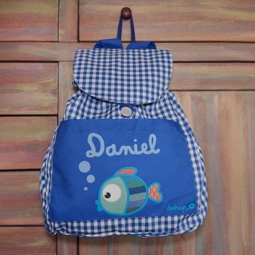 Mochila guardería pez con tu nombre - Marketplace social de tiendas para niños de 0 a 14 años