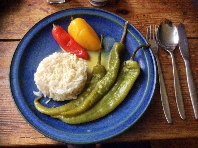 geschmorte peperoni reis vegetarisch zutaten. Black Bedroom Furniture Sets. Home Design Ideas
