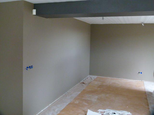 Muur in ambient brown van ptmd interieuradvies hank tijdens verbouwing pinterest brown - Grijze muur deco ...