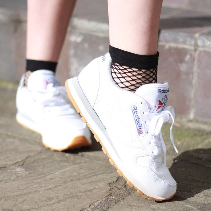 £19.50 | Our Reebok Classic Leather Trainers are on sale. Hurry before it's all gone! What's more, you can earn points (that can be cashed out!) if your friends buy from your social superstore. We know - such a dream come true!  #BeSoSuper