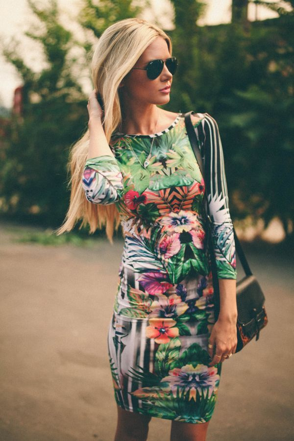 abstract Hawaiian print dress