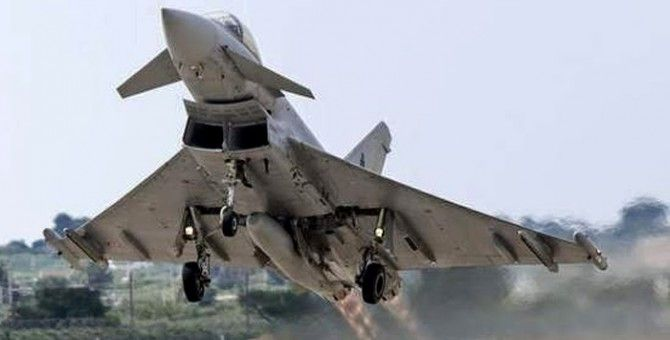 Eurofighter Typhoon fighter jets the Air Force Will Arrive in 2015