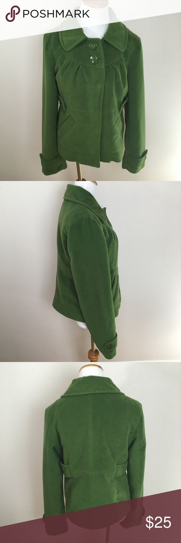 TULLE  Anthro Green Jacket Short Coat Size Large TULLE Anthropologie Green Jacket Short Coat Size Large. Good condition! Missing detachable hood. Clean And Comes From smoke free home. Questions welcomed. Anthropologie Jackets & Coats