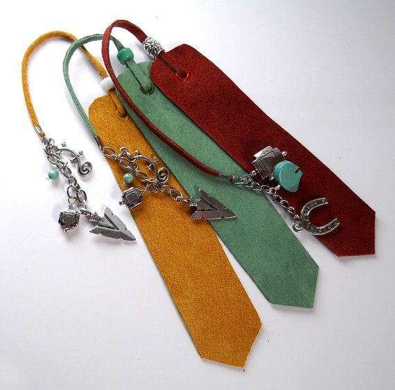 Southwest Design Suede Leather Bookmark, Red Yellow or Green, Horseshoe and Zuni Bear or Arrowhead and Gecko, Christmas gift, ID 199985809