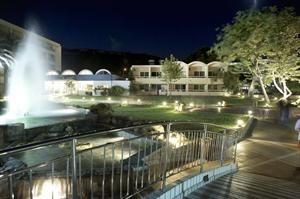 Hotel Avra Beach Resort en Bungalows  Description: Algemene beschrijving: Avra Beach ligt op 50 m van een rotsstrand. De dichtstbijzijnde plaatsen vanuit het hotel zijn Faliraki (15 km) en Rhodos (6 km). Andere steden: Lindos (50 km). Om uw...  Price: 415.00  Meer informatie  #beach #beachcheck #summer #holiday