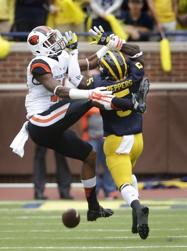 Michigan's Jabrill peppers is called for interference