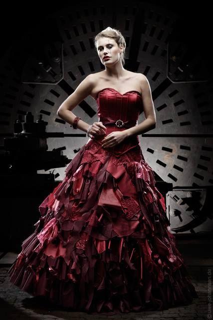 Wine Red Bordeaux Wedding Dress Dark Romantic Baroque Gothic Alternative by Feist Style @ lucardis.feist www.facebook.com/lucardis.feist