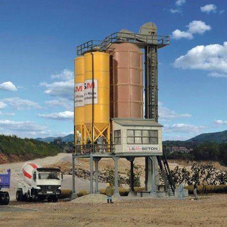 Usine à béton #HO #Kibri A retrouver ici : http://www.latelierdutrain.com/les-entrepots-et-industries/100163-usine-a-beton-ho-1-87-kibri.html