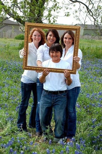 Family Bluebonnet pictures - www.simoneepiphany.com