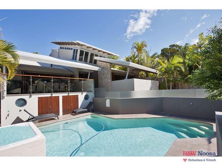 Sunshine Beach House - $460pn - 5 bed - sleeps 10