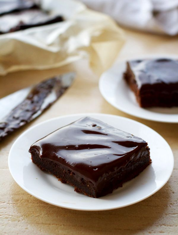 Fudgy Chocolate Cake Bars. Ingredients: semisweet chocolate chips, butter, sugar, flour, eggs, heavy cream