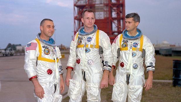 50 años de la primera tragedia de la NASA La bandera de EE.UU. luce a media asta en las instalaciones de la NASA. Tal día como hoy, 27 de enero, de hace cincuenta años, la agencia espacial v... http://sientemendoza.com/2017/01/28/50-anos-de-la-primera-tragedia-de-la-nasa/