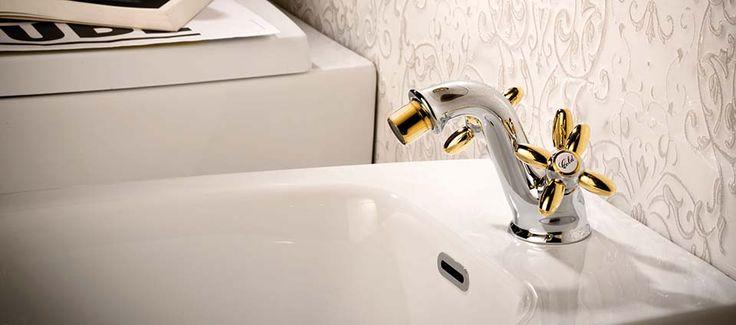#Antea di @newformitalia  è un oggetto dalle linee #eleganti e #chic, il perfetto #rubinetto per #arredare il tuo #bagno con stile ed un pizzico di raffinata stravaganza. www.gasparinionline.it #design #interiors #arredobagno #furniture #madeinitaly #rubinetteria