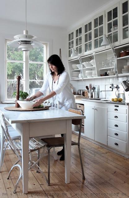 amazing kitchen... i like the open lower shelves