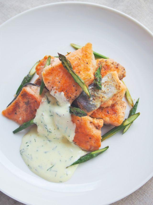 #おしゃレシピ鮭とアスパラガスのディルマヨ添えで内側から美白ケアを