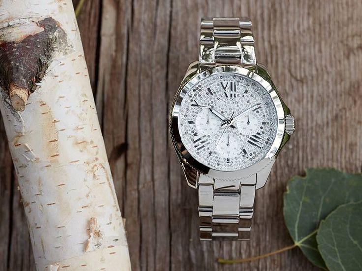 Fossil horloge uit de Cecile serie. Prachtig dameshorloge met zirkonia wijzerplaat. www.ajuweliers.nl