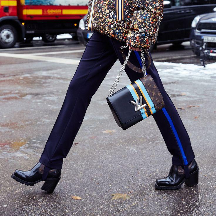 Viky Langstrumpf, äh, Langhose, hier der genialste Trick um Beine noch länger wirken zu lassen: Steghose!!!! | @cambio_official #pants via @lodenfrey #jacket @louisvuitton #shoes // #Anzeige