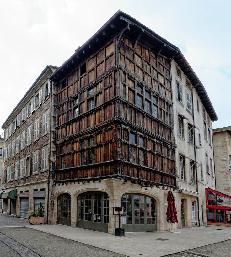 The most remarkable French houses - Page 3 - SkyscraperCity