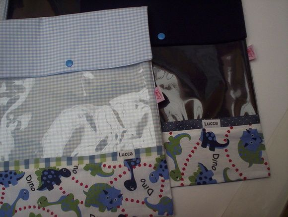 5 saquinhos maternidade 27x33 cm fechado  tecido dinossauro azul R$ 98,00